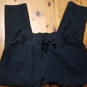 Lululemon On The Fly 7/8 black pants size 14